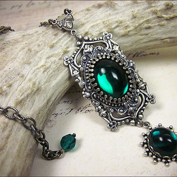 Green Emerald Renaissance Necklace, Gothic Cathedral, Medieval Jewelry, Renaissance Bride, Tudor Wedding, Your Choice of Color and Finish