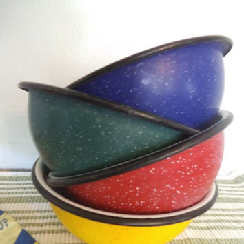 4 vintage colorful Speckle Enamel Bowls ~ Enamelware ~ Primary Colors ~ Farm House Urban Loft Kitchen