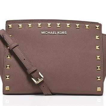 PEAPON MICHAEL Michael Kors Womens Selma Leather Studded Crossbody Handbag Pink Medium