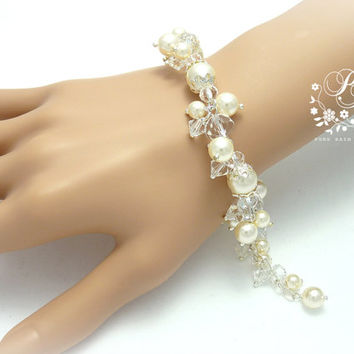 Wedding Bracelet Clear Crystal & Swarovski White Pearl Bridal Bracelet Wedding Jewelry Wedding Accessory