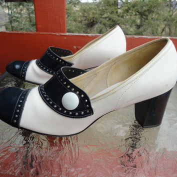 Hi Brows vintage 60s shoes navy blue white buttons pumps high heel