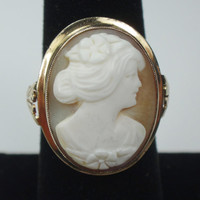 Antique Cameo Ring 10k Gold Vintage Cameo Ring Shell Cameo Gold Ring Antique Gold Ring Vintage Gold Ring Retro 1940's Ring