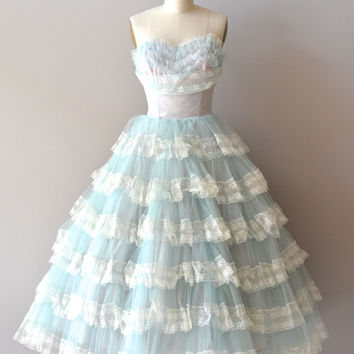 Vintage Style Short Prom Dress with Lace Tiered Skirt