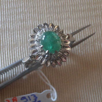 Vintage Natural Emerald Ring - Engagement Ring - 18K White Gold Natural Emerald Diamond Vintage Ring