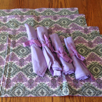 Placemats with linen napkins and bows,  set of 4, reversible, Purple, gray and white, place mat set, linen napkins, napkins placemats set