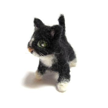 Miniature black cat, dollhouse kitty, needle felted, tuxedo cat, posable animal, pet for dolls, tiny animal, collectible tiny cat