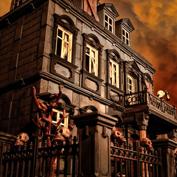Playmobil Haunted Halloween Victorian Mansion 5300 custom dollhouse 120 items