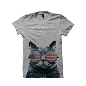 USA CAT WITH GLASSES T-SHIRT