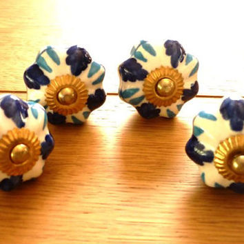 Vintage Ceramic Knobs, Drawer Pulls, Cabinet Knob, Hand Painted Ceramic Knob, set of 4, Dresser Knob, Blue White Drawer Pulls Handles