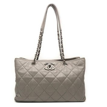Chanel Quilted Caviar Leather Silver Metal Chain Shoulder Bag Silver 7532