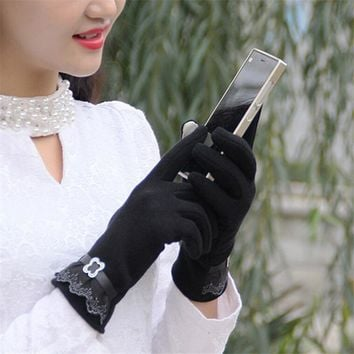 Fashion Women Coral Fleece Touch Screen Gloves Lace Thickening Warm Show Female Gloves Collocation