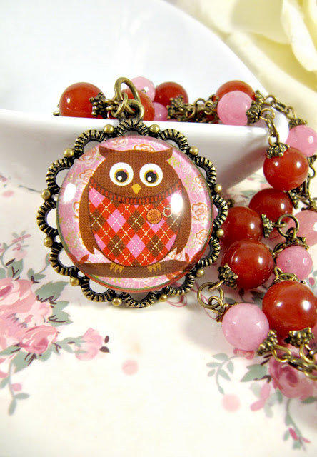 Owl necklace, Alexandrite, vintage style, romantic jewelry, agate, brown, orange, pink