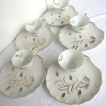 Lefton China Luncheon Plates and Tea Cups, Set of 5, Hand Painted by George Lefton, Gold Wheat Raised Pattern No. 2768, Scalloped Edges