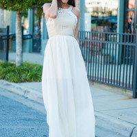Chained To Lace Maxi, Cream