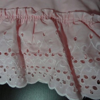 Vintage Sears Light Pink Pillow Shams with Ruffled Eyelet Trim - Set of 4 - Standard Size - 20 x 26
