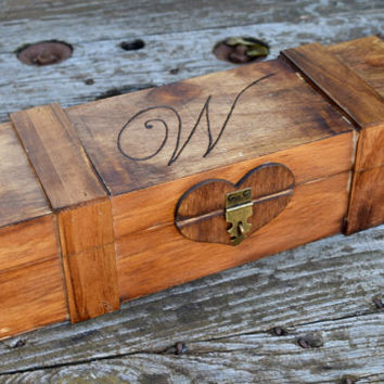 Rustic Wedding Wine Box - Wine Capsule - Wedding Capsule - Rustic Wedding - Rustic Wedding Wine Box Gift - Lockable Wine Box - Wedding Gift