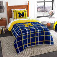 Michigan Wolverines NCAA Twin Comforter Bed in a Bag (Soft & Cozy) (64in x 86in)