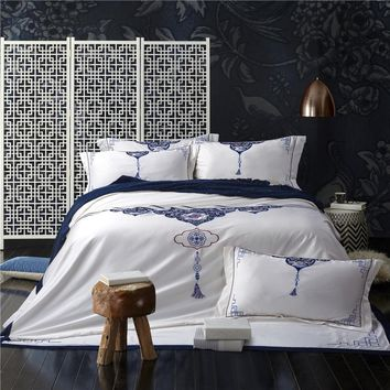 4/6pcs White Blue Bed sheet set Embroidered Luxury Chinese Modern style Bedding set Queen King size Duvet cover set pillowcases