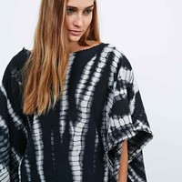 Ecote Out of the Box Off-the-Shoulder Jumper in Mono - Urban Outfitters