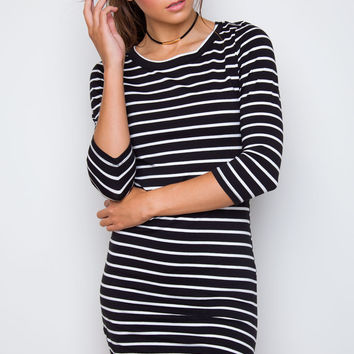 Sandy Basic Dress - Black Striped