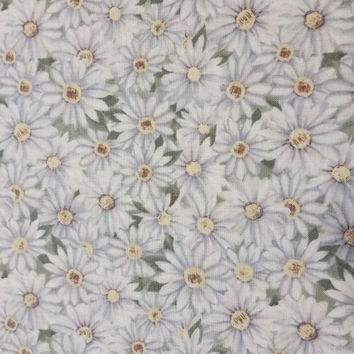 PLEASANT VALLEY Packed DAISIES Susan Winget White Daisies on Green fabric cotton quilt quality Excellent Fabric Creative Genius Projects