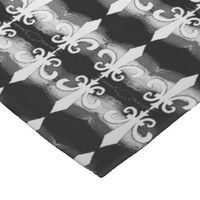 Black and White Fleur de Lis Motif Pattern Fleece Blanket