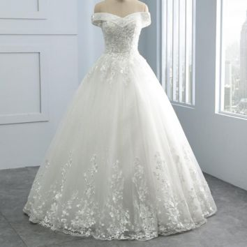 Beautiful Embroidery Appliques Princess Wedding Dresses pearls Beads V Neck Wedding Dress Bridal Gown