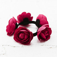 Top Knot Floral Bun Holder in Red - Urban Outfitters