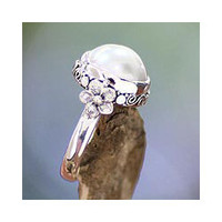 Sterling Silver 'Bridal Moon' Cultured Pearl Ring (12 mm)