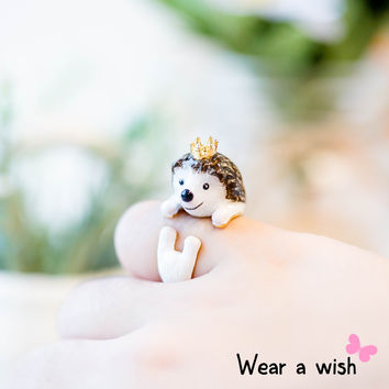 Lovely Hand Crafted Enamel Painting Hedgehog Ring