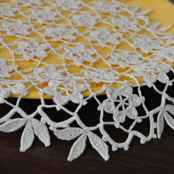 Crochet doily,ivoire handmade doily,high quality cotton doily,Lace doily,Crochet doilies,Table or Wall decoration,Handmade lace,Wedding gift
