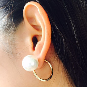 Curl pearl double sided stud earrings