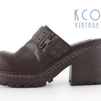 Chunky Platform Sandals 8 Brown Vegan Leather 90's Vintage Shoes / 1990's Grunge Goth Block Heel Mules Women's Size US 8 - 8.5 / UK 6 - 6.5