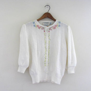 white floral Cardigan / Vintage embroidered granny Sweater / size M