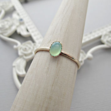 Green Chrysoprase, 14k Gold Ring, Delicate Gold Ring, Oval Gemstone Ring, Stackable Ring, Engagement Ring, 14kt Gold Ring