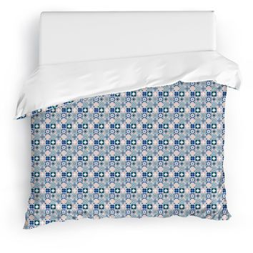 JUNTOS Duvet Cover By Tiffany Wong