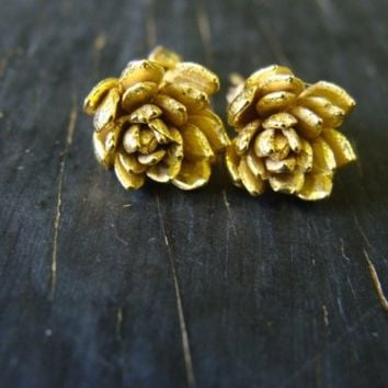 18K Gold Vermeil Field Flower Posts by ManiDesigns on Etsy