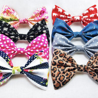 Fun set of 8 hair bows