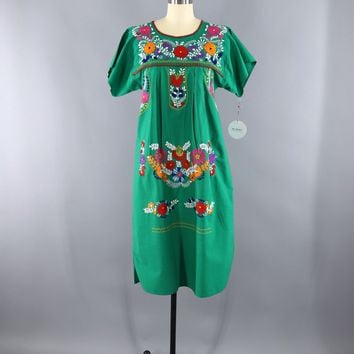 Vintage Mexican Dress / Oaxacan Embroidered Caftan / Green Cotton Huipil