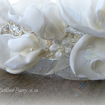 R750 - Sweet Pea Garland - wedding hairpiece flowers and lace detail Ivory and off white