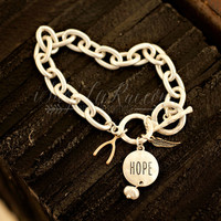 HOPE TOKEN BRACELET IN SILVER