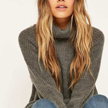 Light Before Dark Chunky Turtleneck Jumper - Urban Outfitters