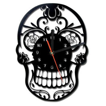 Free Shipping 1Piece Flowers Skull Hanging Wall Clock Day of the Dead Mexican Skull Ornament Halloween Home Decor Duvar Saat