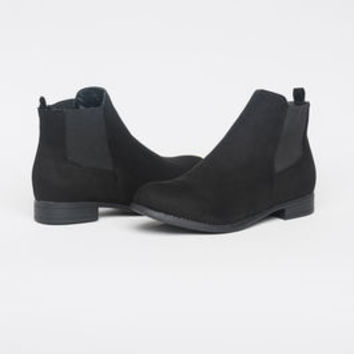 Boots - Footwear for Women | Ardene