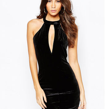 Black Keyhole Front Sleeveless Halter Dress