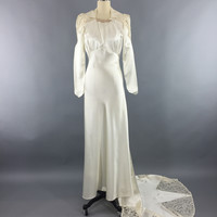 Vintage 1940s Wedding Dress / SATIN STAR / Ivory Satin & Lace Bridal G – ThisBlueBird - Modern Vintage