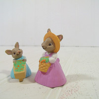 Vintage Hallmark Cards Easter Spring Garden Bunny Collectibles - Farm Mother Bunny Rabbit with Daughter Bunny Merry Miniatures - Marked 1990