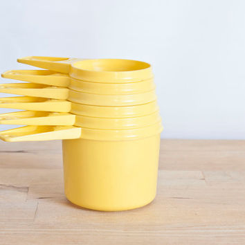 Tupperware Sunshine Yellow Nesting Measuring Cup Set, Vintage Tupper Ware, Set of 6