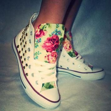 DCCKHD9 Floral Studded Converse Shoes