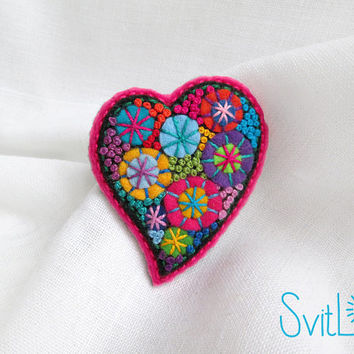 Happy heart. Pink Felt brooch. Christmas Gift. Hand-made.Textile Art Jewelry. Hand embroidery. French knot. Gift for her. Holiday fireworks.